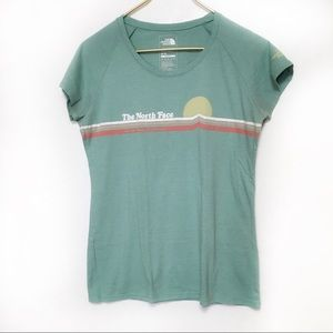 Women's North Face Short Sleeve Shirt Medium EUC